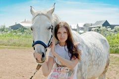 γυναίκα αλόγων Στοκ φωτογραφία με δικαίωμα ελεύθερης χρήσης