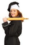 Γυναίκα αρχιμαγείρων με την κυλώντας καρφίτσα στον ώμο Στοκ Εικόνες