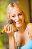 γυναίκα βουρτσών makeup Στοκ Φωτογραφίες