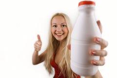 γυναίκα γάλακτος μπουκαλιών Στοκ Εικόνες