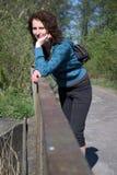 γυναίκα γεφυρών Στοκ φωτογραφία με δικαίωμα ελεύθερης χρήσης