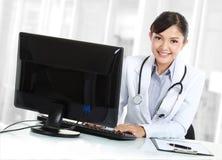 γυναίκα γραφείων γιατρών Στοκ Εικόνες