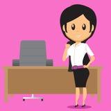 Γυναίκα γραφείων μετά από την εργασία Στοκ φωτογραφίες με δικαίωμα ελεύθερης χρήσης
