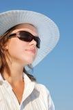 γυναίκα γυαλιών ηλίου κ&alp Στοκ Εικόνες