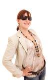 γυναίκα γυαλιών ηλίου μό&delta Στοκ φωτογραφία με δικαίωμα ελεύθερης χρήσης