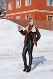 γυναίκα εξοχικών σπιτιών α Στοκ Εικόνα