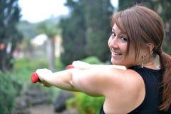 Γυναίκα ικανότητας στο πάρκο Στοκ φωτογραφίες με δικαίωμα ελεύθερης χρήσης