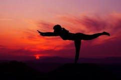 Γυναίκα ισορροπίας Στοκ Εικόνες