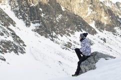 Γυναίκα και βουνά Στοκ Φωτογραφίες