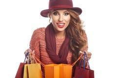 Γυναίκα και τσάντα αγορών στοκ εικόνα με δικαίωμα ελεύθερης χρήσης