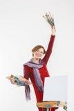 Γυναίκα καλλιτεχνών στην εργασία απομονωμένος Στοκ εικόνες με δικαίωμα ελεύθερης χρήσης