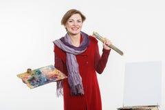 Γυναίκα καλλιτεχνών στην εργασία Στοκ φωτογραφία με δικαίωμα ελεύθερης χρήσης