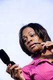 γυναίκα κειμένων ανάγνωση&s στοκ εικόνες με δικαίωμα ελεύθερης χρήσης
