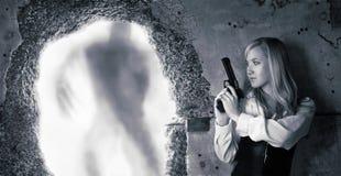 γυναίκα κυνηγών γενναιο&de Στοκ Εικόνα
