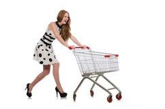 Γυναίκα μετά από να ψωνίσει στην υπεραγορά που απομονώνεται στοκ εικόνες