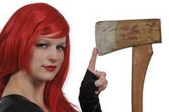 Γυναίκα με ένα τσεκούρι Στοκ εικόνες με δικαίωμα ελεύθερης χρήσης
