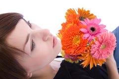 Γυναίκα με τα λουλούδια στοκ εικόνες