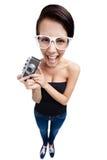 Γυναίκα με την αναδρομική φωτογραφική φωτογραφική μηχανή Στοκ φωτογραφίες με δικαίωμα ελεύθερης χρήσης