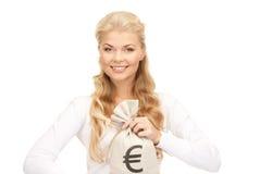 Γυναίκα με την ευρο- υπογεγραμμένη τσάντα Στοκ Εικόνα