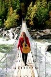 γυναίκα με την κιθάρα Στοκ Εικόνες
