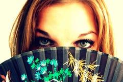 γυναίκα με τη ζωηρόχρωμη σειρά Στοκ εικόνες με δικαίωμα ελεύθερης χρήσης