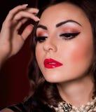 Γυναίκα με τη μόδα makeup στοκ φωτογραφία με δικαίωμα ελεύθερης χρήσης