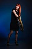 Γυναίκα με τη σάλπιγγα στοκ φωτογραφία με δικαίωμα ελεύθερης χρήσης