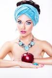 Γυναίκα με τη Apple - υγιής θρεπτική κατανάλωση Στοκ φωτογραφίες με δικαίωμα ελεύθερης χρήσης