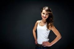 Γυναίκα με το αισθησιακό χαμόγελο Στοκ εικόνες με δικαίωμα ελεύθερης χρήσης