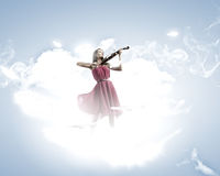 Γυναίκα με το βιολί Στοκ εικόνες με δικαίωμα ελεύθερης χρήσης