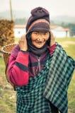 Γυναίκα με το καλάθι σε Arunachal Pradesh Στοκ φωτογραφία με δικαίωμα ελεύθερης χρήσης