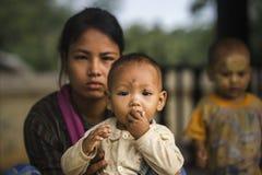 Γυναίκα με το παιδί Στοκ εικόνα με δικαίωμα ελεύθερης χρήσης