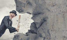 Γυναίκα με το ρόπαλο του μπέιζμπολ Στοκ φωτογραφία με δικαίωμα ελεύθερης χρήσης
