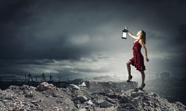 Γυναίκα με το φανάρι Στοκ Εικόνες
