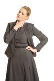 Γυναίκα με το φοβερό πόνο λαιμού Στοκ εικόνα με δικαίωμα ελεύθερης χρήσης