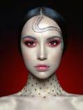 Γυναίκα με το φωτεινό κόκκινο makeup στοκ φωτογραφίες