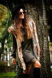 Γυναίκα μόδας φθινοπώρου υπαίθρια Στοκ εικόνες με δικαίωμα ελεύθερης χρήσης