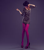 Γυναίκα μόδας, φόρεμα τσεκιών γοητείας Εξάρτηση κόμματος Στοκ Φωτογραφία