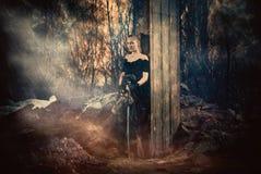 γυναίκα ξιφών Στοκ εικόνα με δικαίωμα ελεύθερης χρήσης