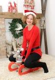 Γυναίκα ομορφιάς στη διακόσμηση Χριστουγέννων Στοκ Εικόνες