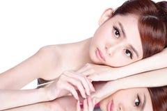 Γυναίκα ομορφιάς Skincare στοκ εικόνα με δικαίωμα ελεύθερης χρήσης