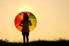 γυναίκα ομπρελών ηλιοβα& Στοκ Εικόνες