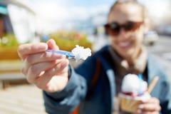 γυναίκα πάγου κρέμας Στοκ Εικόνα