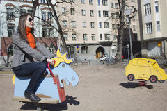γυναίκα παιδικών χαρών Στοκ φωτογραφία με δικαίωμα ελεύθερης χρήσης