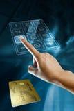 γυναίκα πιστωτικών χρυσή χ& Στοκ εικόνες με δικαίωμα ελεύθερης χρήσης
