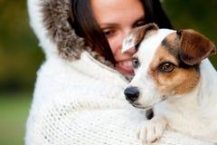 γυναίκα πορτρέτου σκυλ&io Στοκ Εικόνες