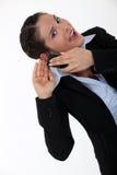 Γυναίκα που έχει την ακρόαση προβλήματος στοκ φωτογραφία με δικαίωμα ελεύθερης χρήσης
