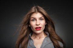Γυναίκα που αποκτάται ταραγμένη πραγματικά έκπληκτη Στοκ Φωτογραφία