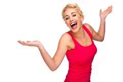 Γυναίκα που γελά, που χαμογελά και που χορεύει στοκ φωτογραφία