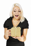 Γυναίκα που κρατά ένα δώρο Στοκ Εικόνες
